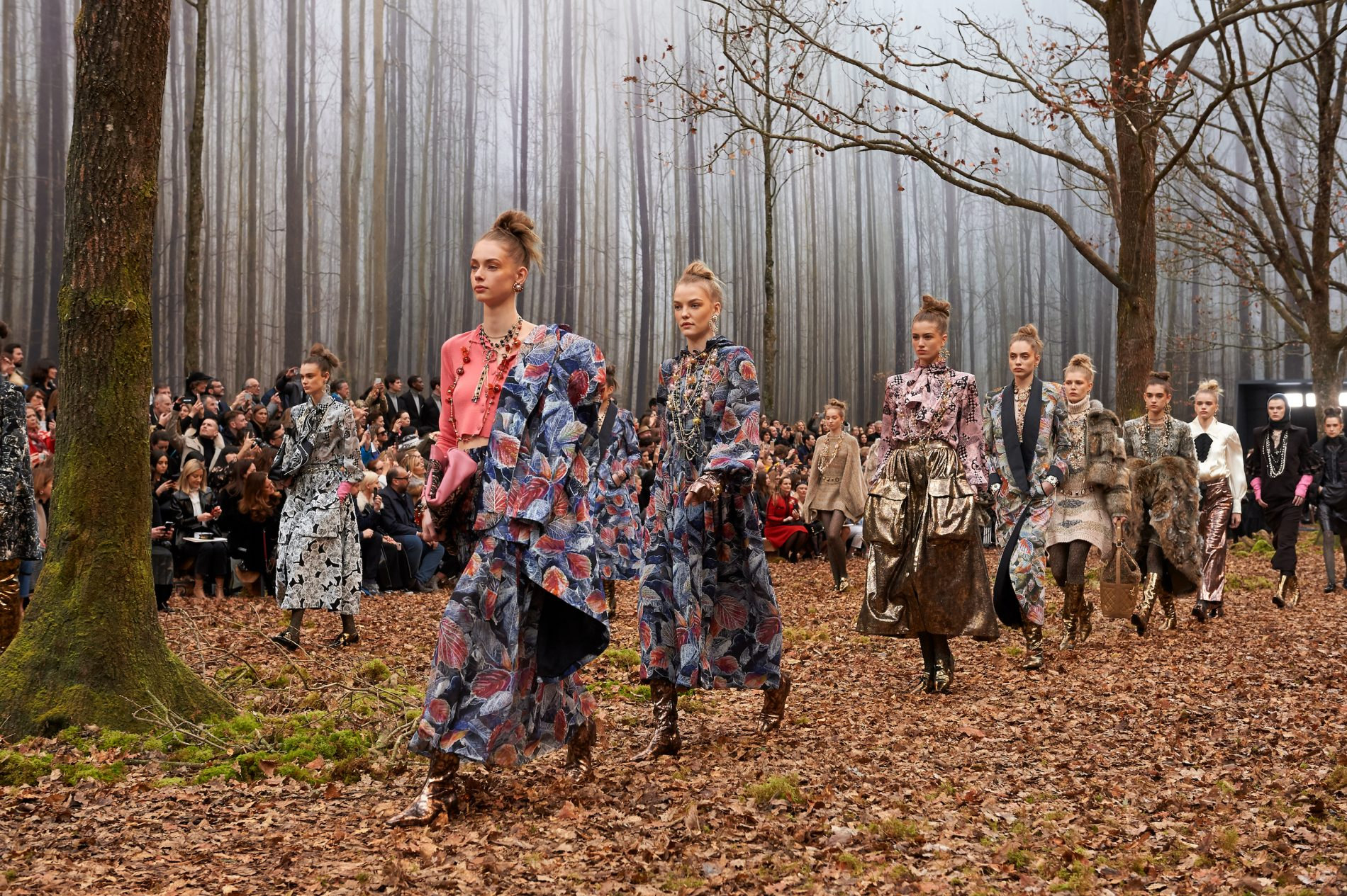 Chanel_FW_2018_19_RTW_Finale_picture_by_Olivier_Saillant