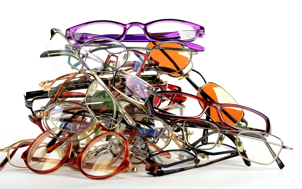 44cf3cc388 Geeky glasses have become one not-so-myopic woman s perennially cool form  of ugly-beautiful eye accessory.