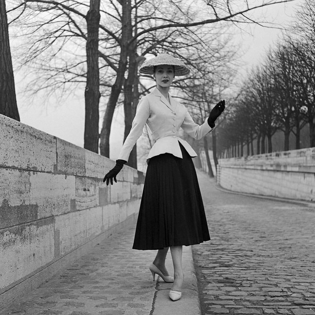 https://curatedition.com/wp-content/uploads/Dior_NewLook_1947-1.jpg